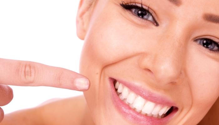 здоровые зубы и красивая улыбка