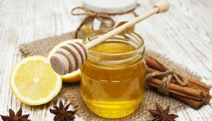 Мед, лимон и корица