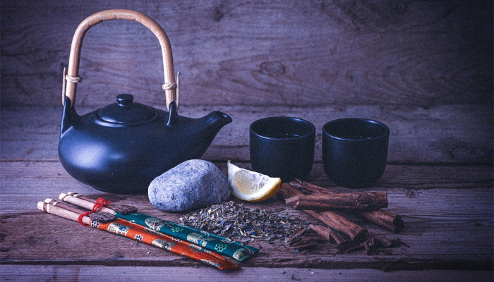 Зеленый чай, лимон и корица
