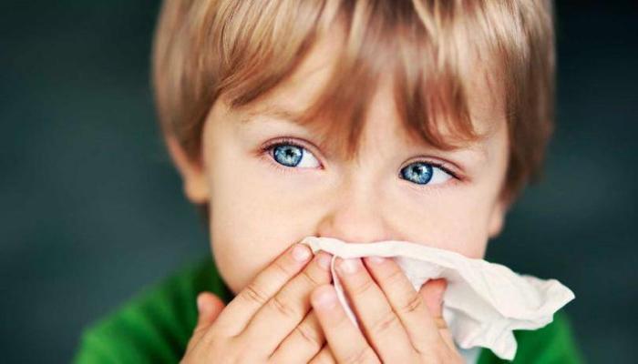 Кашель у ребенка: причины возникновения, симптомы, домашние способы лечения
