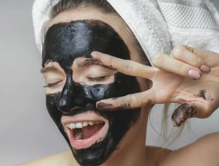 Активированный уголь – идеальное средство для очищения лица!