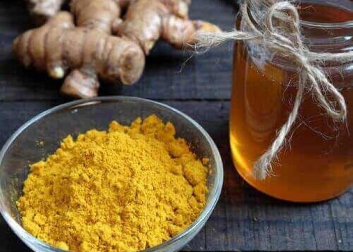 5 лучших рецептов приготовления меда с куркумой для борьбы с сезонными заболеваниями
